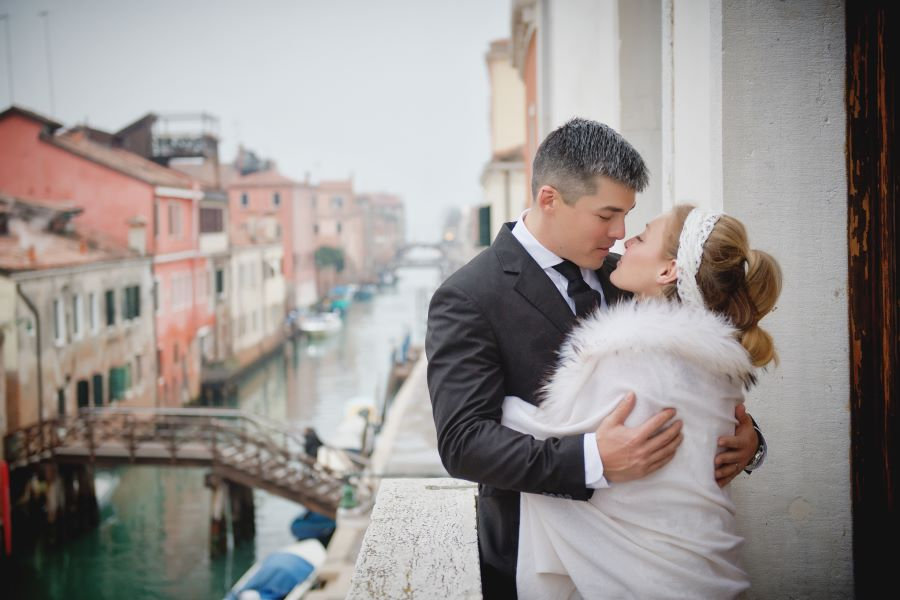 Symbolic wedding in a noble venetian palace