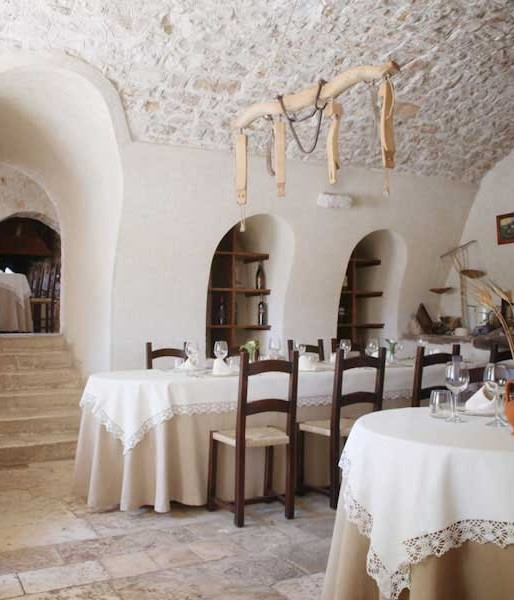 Traditional destination wedding in Puglia