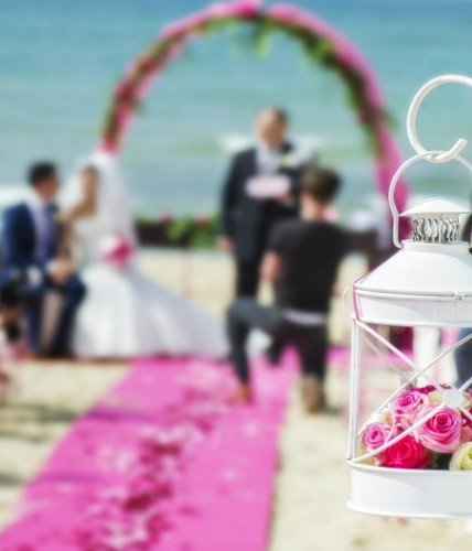 Beach wedding ceremony in Sicily