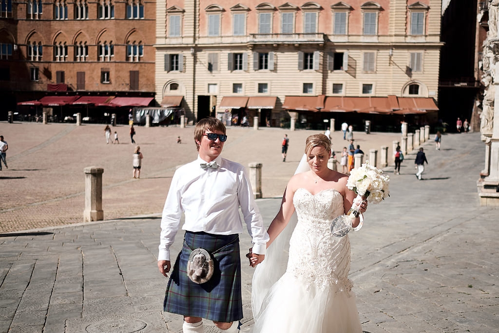 Civil ceremony in Siena – Stephanie and Murray