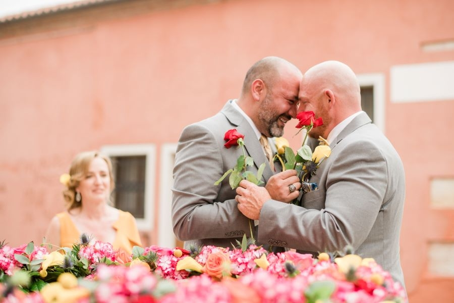 Intimate gay wedding in Venice