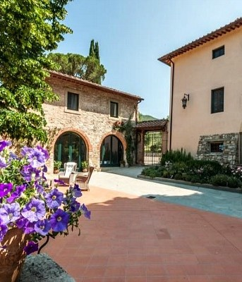 Exclusive small wedding venue in Florence