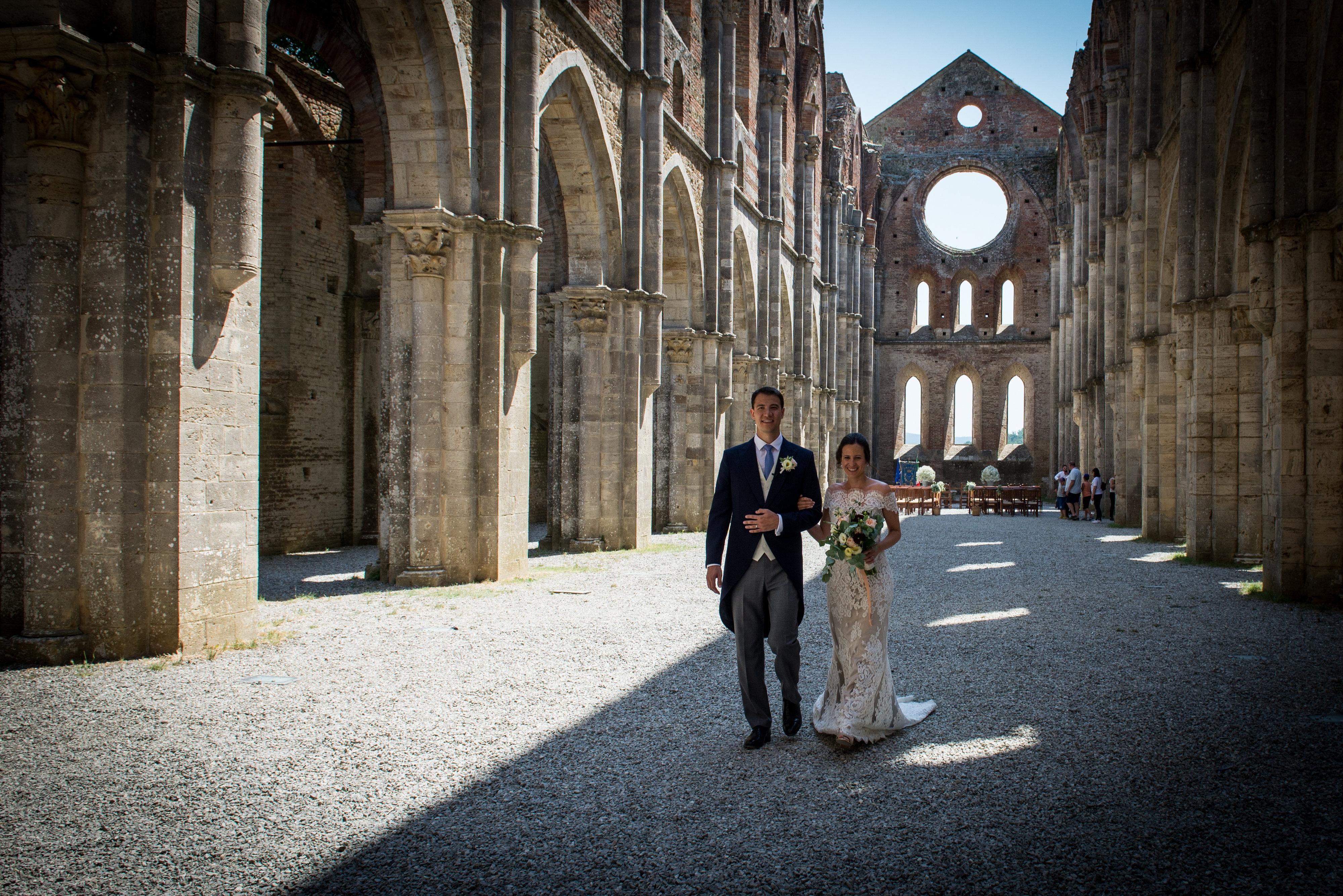 Civil ceremony in San Galgano Abbey – Alex and Gillian
